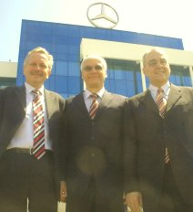 (left to right) Dr. Joachim Schmidt, Chairman of the Board, Dr. Wilfried Aulbur, Managing Director and CEO, Prof. Dr. Eberhard Haller, Member of the Board at the new facility of Mercedes-Benz India.